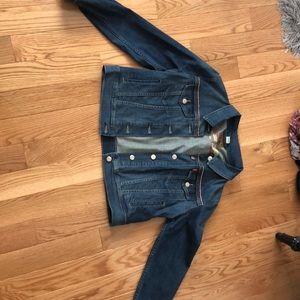 levi's jean jacket!!